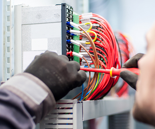 commercial electrician in Inglewood, CA
